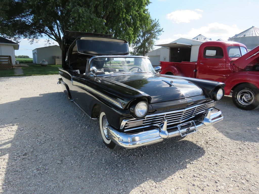 1957 Ford Fairlane 500 Skyliner Retractable hard Top
