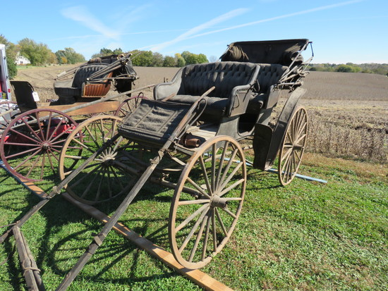4 SEATER HORSE DRAWN BUGGY