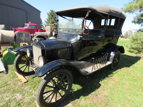 1918 Ford Model T Touring Car