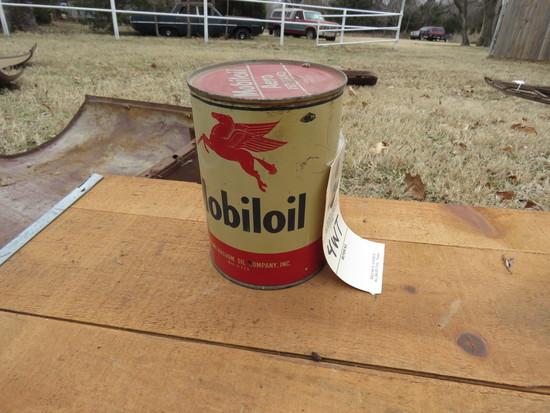 Mobil Oil  1 Quart Vintage Oil Can Full