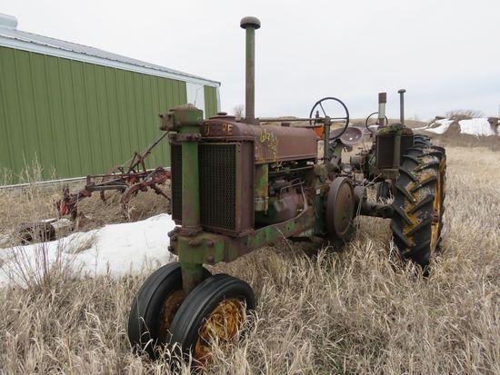 1939 John Deere G Tractor