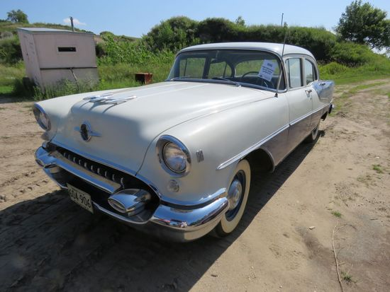 1955 Oldsmobile 88 4dr Sedan 557M72747