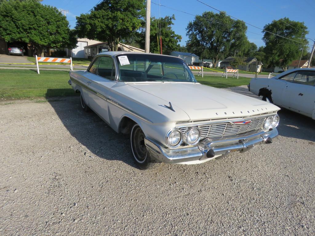 1961 Chevrolet Impala 2dr HT