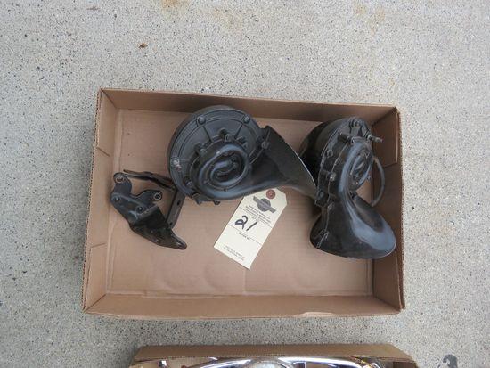 1950 Ford Horns
