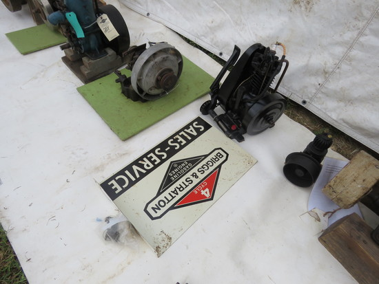 Briggs & Stratton Slant Fin Stationary Engine