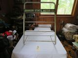 Quaker State Small Oil Rack