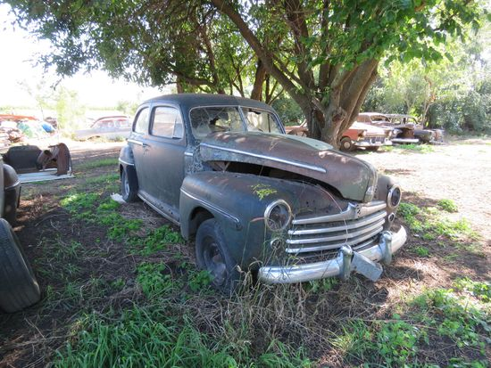1947/8 Ford Super Deluxe 2dr Sedan for Project or Parts