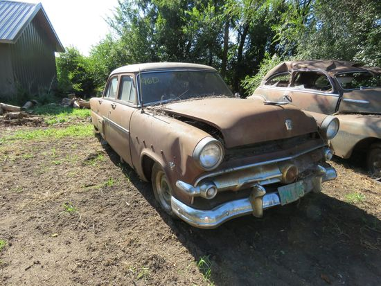 1954 Ford Customline 4dr Sedan for Project or Parts