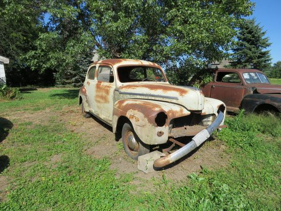 1947 Ford Deluxe 2dr Sedan for Project or Parts