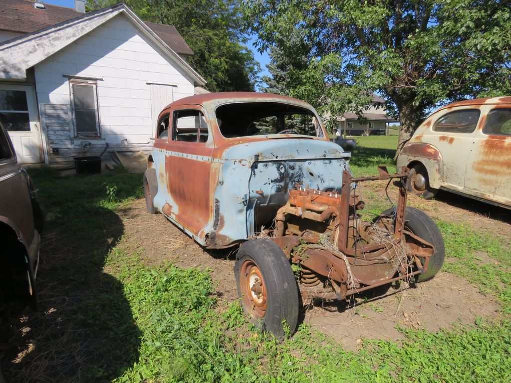 1940's Chevrolet 2dr Sedan for project or parts
