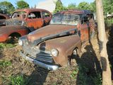 1946 Ford Deluxe 2dr Sedan for Project or parts