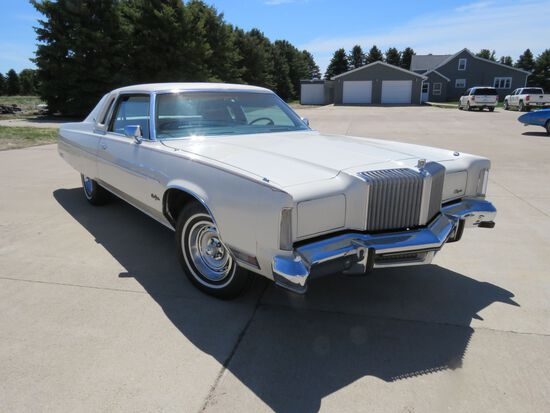 1977 Chrysler New Yorker Brougham 2dr Landau Coupe with ST. Regis