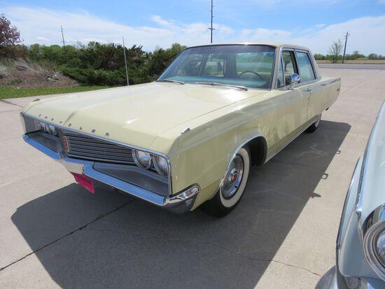 1968 Chrysler Newport 4dr Sedan