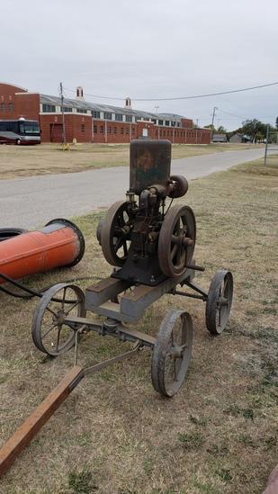 NOVO Upright Stationary Steam Engine on Cart
