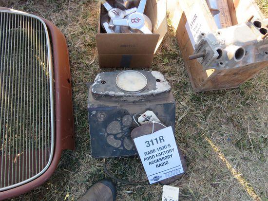 1933 FORD FACTORY GLOVE BOX ACCESSORY RADIO