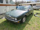 JAGUAR X16 4DR SEDAN FOR PROJECT OR PARTS