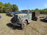 1935 FORD 1 1/2 TON TRUCK