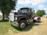 1971 Mack RS700L Semi Truck