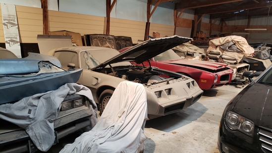 Pontiac Collector Cars & Parts at Auction