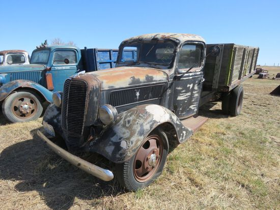 1937 Ford 1 1/2 ton Truck