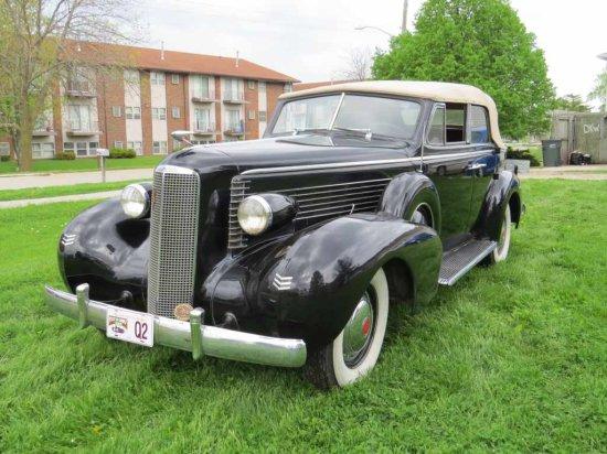 1937 LaSalle Sedan 4dr Convertible