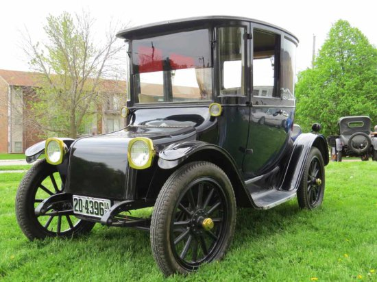 1922 Detroit Electric Model 90B