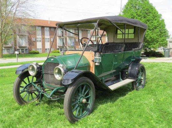 1913 Overland 5 Passenger Touring