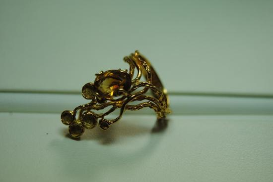 Citrine fashion ring.