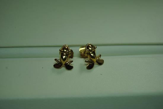 Yellow gold frog earrings.