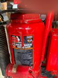 Big Red air/hydraulic bottle jack