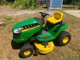 John Deere D110 riding lawn mower (23.9 hours)