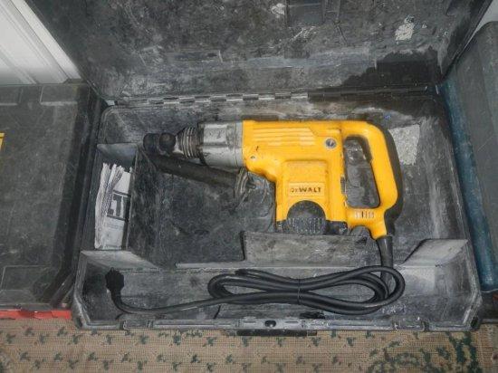 DeWalt D25550 Rotary Hammer in Case