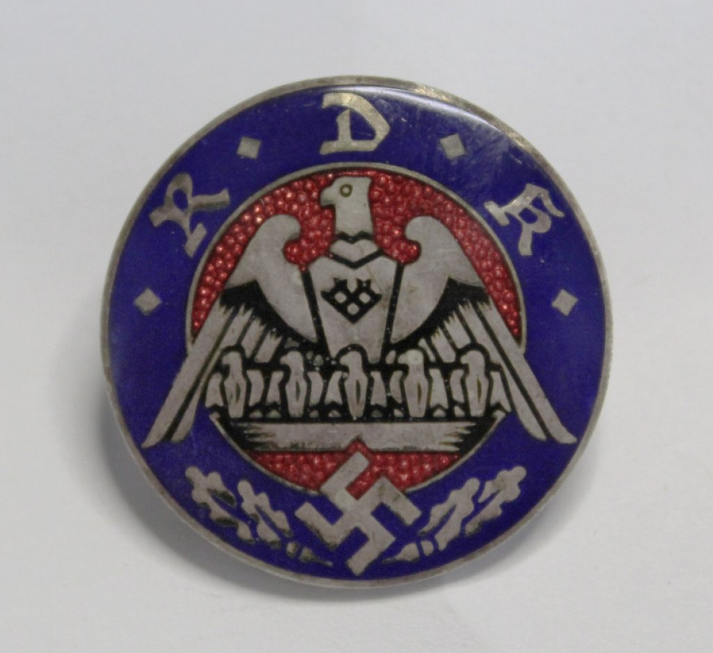 German Nazi State Federation for Large Families RDK Pin Badge