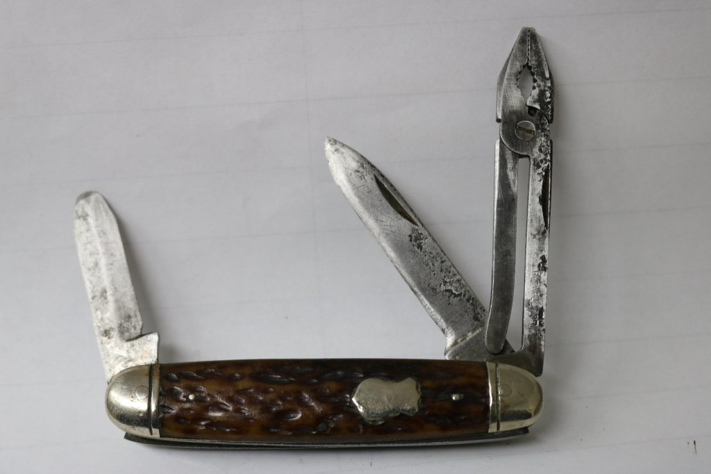 Valley Forge Radio King of the Wood Pocketknife