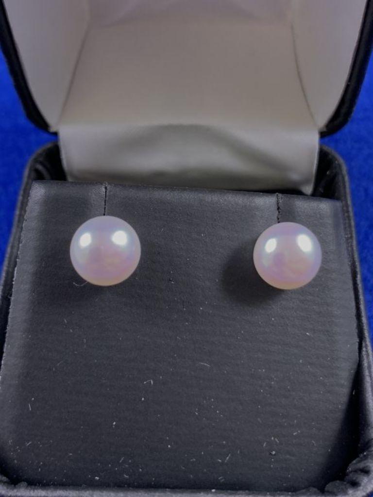 18kt Pearl Earrings