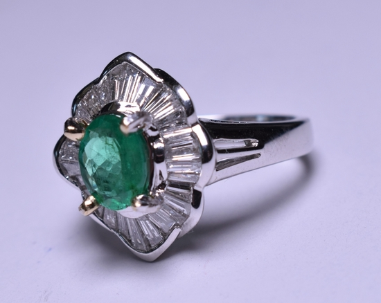 3.75 ct. Genuine Emerald & Diamond Estate Ring