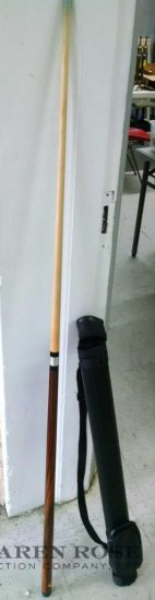 Dufferin pool cue with case