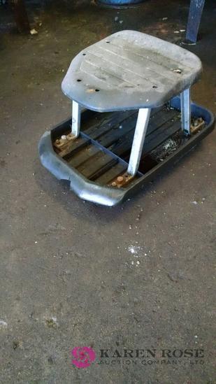Mechanics rolling seat