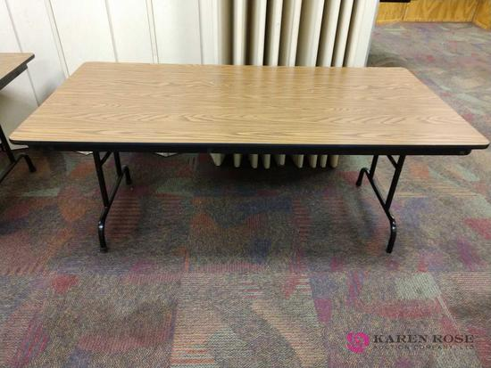 3 foot by 6 foot folding table