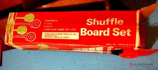 Shuffleboard set