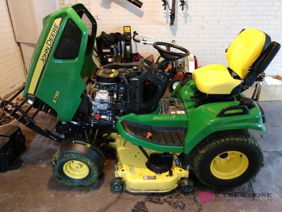 John Deere x730 tractor 2017