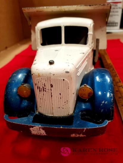 Smith-Miller Blue Diamond Dump Truck