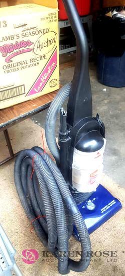 Bissell vacuum cleaner C1