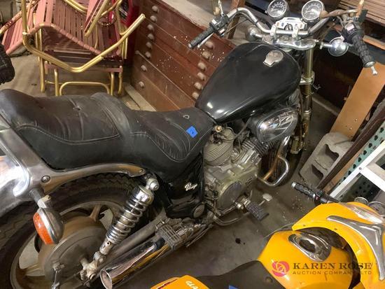 1985 Yamaha Virago motorcycle B1