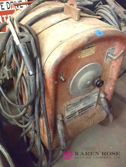 Lincoln AC DC welder B1