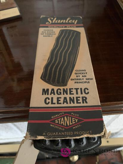 Vintage Stanley magnetic cleaner