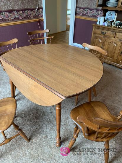Drop leaf  expandable table table and six chairs