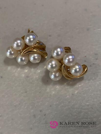 14k Cultured pearl earrings