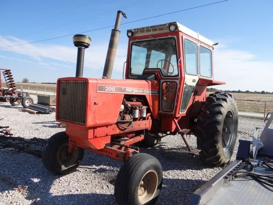 AC 200 tractor