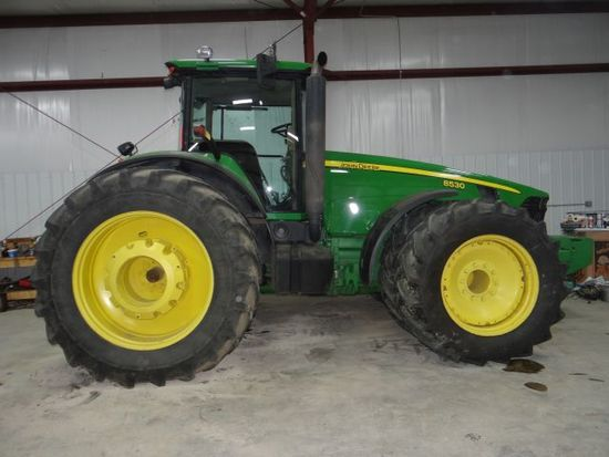 JD 8530 Tractor, 2007